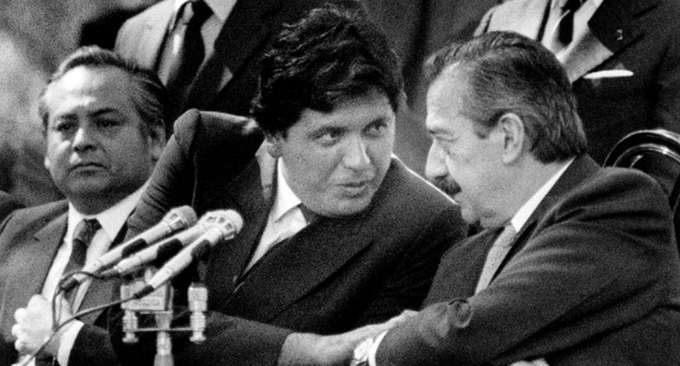 2. Su vida política se remonta antes de que fuera elegido jefe de Estado. Fue diputado constituyente (1978-1979), diputado (1980-85) y senador vitalicio (1990-1992). (Foto: AFP)