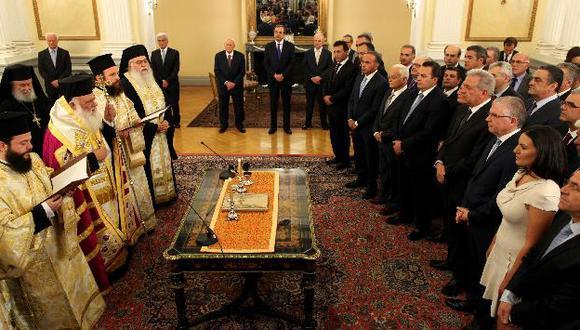 Arzobispo griego ortodoxo tomó el juramento. (AP)