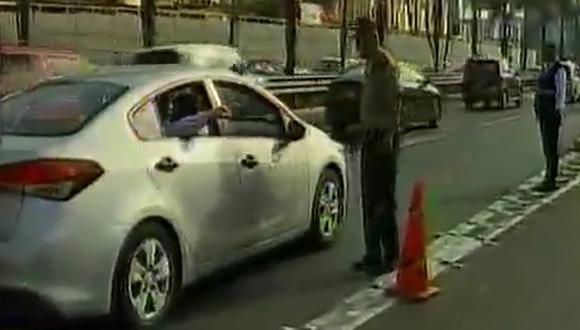 Un auto se despistó en Javier Prado y una persona salió herida. (Canal N)