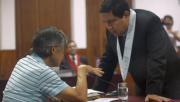 Alberto Fujimori y William Castillo en una audiencia judicial. (USI)