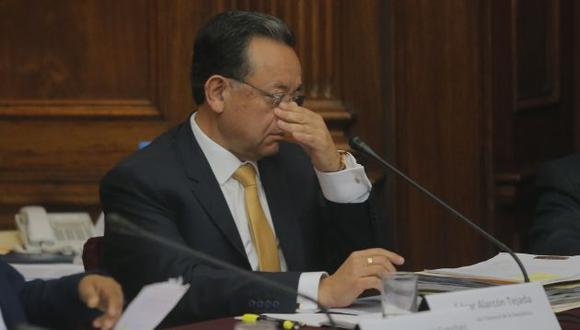 Congresistas critican que haya adelantado opinión en investigación al Ministerio de Educación (Perú21).