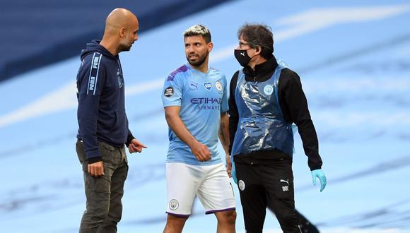 El técnico Pep Guardiola confirmó que el 'Kun' Agüero será operado este jueves. (Foto: AFP)
