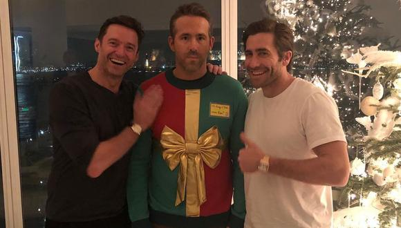 El actor compartió esta fotografía que demuestra que fue víctima de una broma navideña. (Foto: @vancityreynolds)