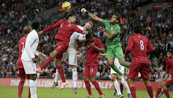 El Inglaterra-Perú en el ojo de especialistas. (AP)