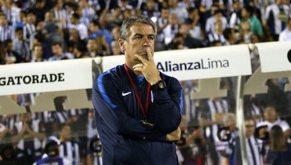 Pablo Bengoechea, DT de Alianza Lima, ofreció explicaciones tras la derrota ante Sporting Cristal en Matute. (Foto: Fernando Sangama/GEC)