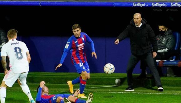 Zinedine Zidane mostró su rechazo a críticas sobre arbitraje (Foto: Reuters)