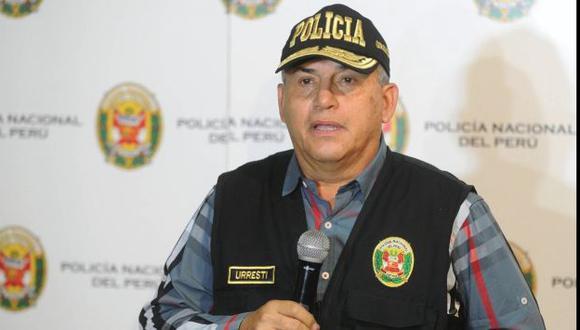 Daniel Urresti dijo que ambulantes de Av. 28 de Julio permanecen por pedido de Susana Villarán. (Perú21)
