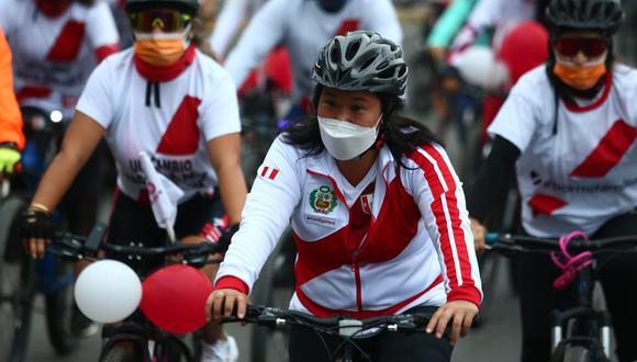 Keiko Fujimori participó en una bicicleteada en Piura, como parte de sus actividades de cierre de campaña. (Alessandro Currarino / GEC)