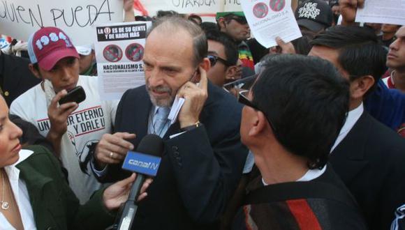 Hinchas contra las S.A. (Martín Pauca)