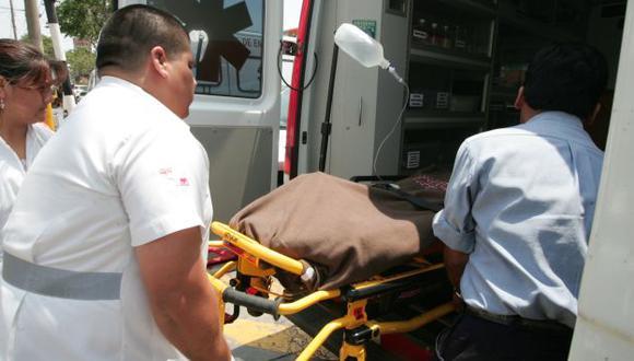 Obrero fue llevado a hospital regional Honorio Delgado Espinoza, donde falleció. (USI)