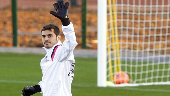 ¡Me alegro por esa merecida renovación querido Sergio Ramos! escribio Iker Casillas en su cuenta de Twitter (EFE).