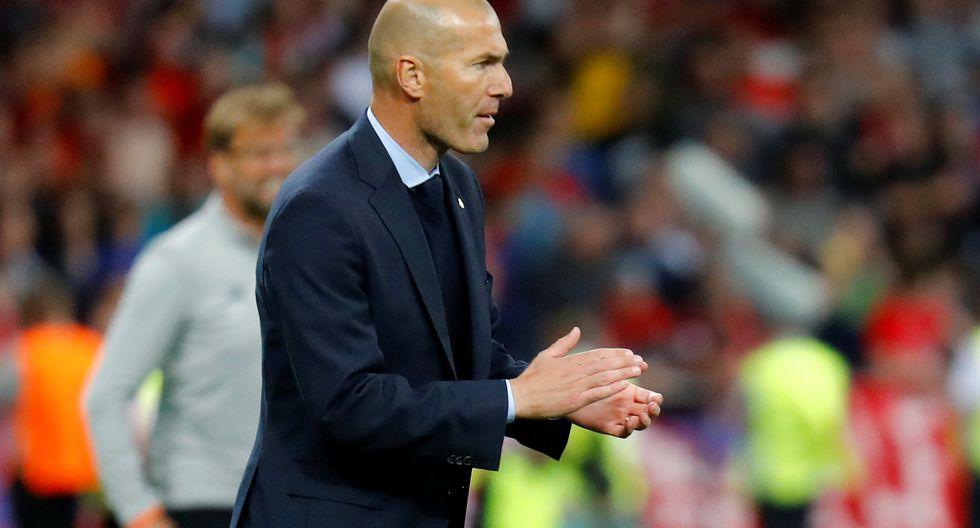 Con Zinedine Zidane en el banquillo, Real Madrid venció 3-1 a Liverpool y conquistó la Champions League por tercera vez consecutiva. (REUTERS)