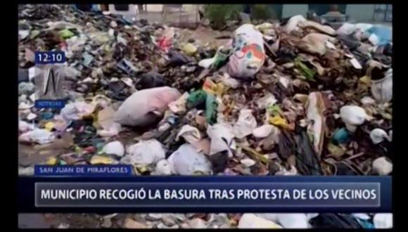 Municipio recoge basura tras protesta de vecinos. (Captura: Canal N)