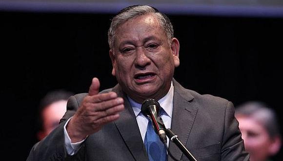 """Alcalde de Los Olivos Felipe Castillo sostiene que su responsabilidad es """"emocional"""" (GEC)."""