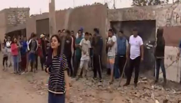 Carabayllo: Vecinos prenden fuego a vivienda de presuntos ladrones. (Canal N)