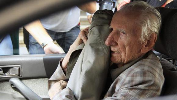 Lo acusan de deportar a casi 16,000 judíos húngaros a campo de exterminio de Auschwitz. (Reuters)