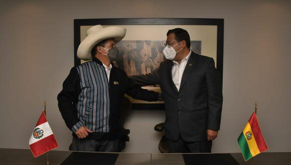 Pedro Castillo junto a su homólogo boliviano, Luis Arce Catacora. (Foto: @LuchoXBolivia)