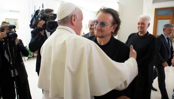Bono contó que ambos hablaron del viaje que realizó el papa a finales de agosto a Irlanda, para participar en el Encuentro Mundial de las Familias. (Foto: EFE)