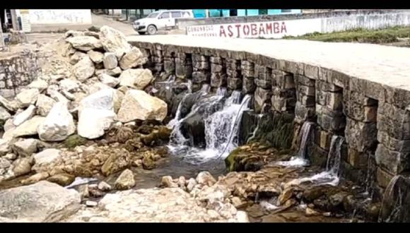 Pasco: arrojan enormes piedras y afectan estructura en puente inca de Huarautambo (Foto: Facebook | Noticias de la Región Pasco)