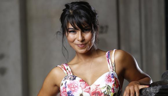 Stephany Orúe es actriz, conductora de televisión y cantante.