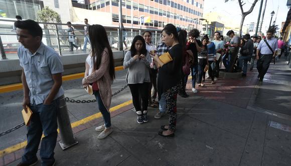 """""""Con el decreto de urgencia que hoy hemos publicado y es oficial en El Peruano vamos generar un millón de puestos de trabajo"""", afirmó Martín Vizcarra. (Foto: GEC)"""