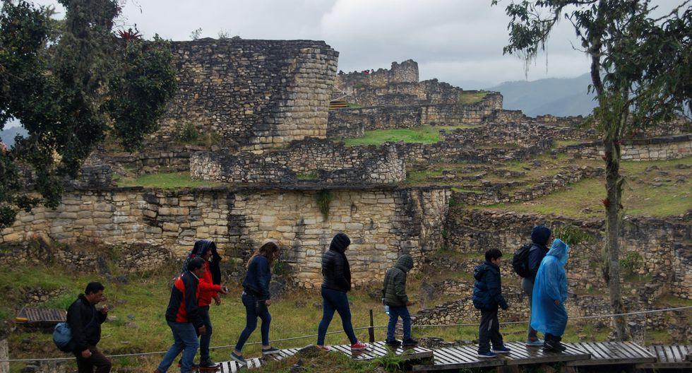 """En familia. La mitad de quienes viajarán para """"recrearse"""" buscará hacerlo con sus familiares. (Foto: EFE)"""