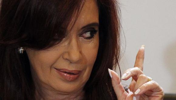 ESAS AMISTADES. Presidenta argentina no oculta su felicidad tras 'triunfo' ante Reino Unido. (Reuters)