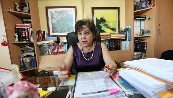 La procuradora antidrogas, Sonia Medina, lleva casi 20 años en su actual cargo y nunca antes había tenido que pelear por una sentencia a través de una pantalla.