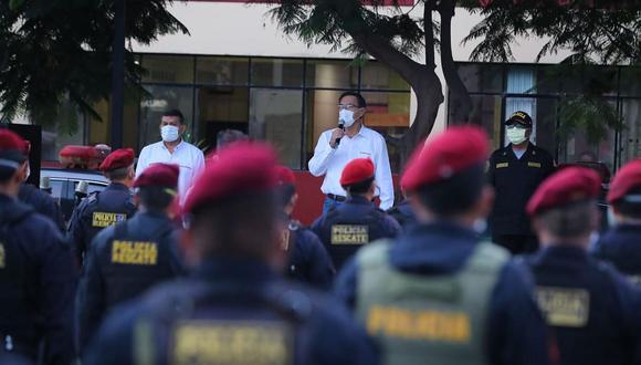 Martín Vizcarra saludó la labor de la PNP y las Fuerzas Armadas en la lucha contra el nuevo coronavirus. (Foto: Difusión)