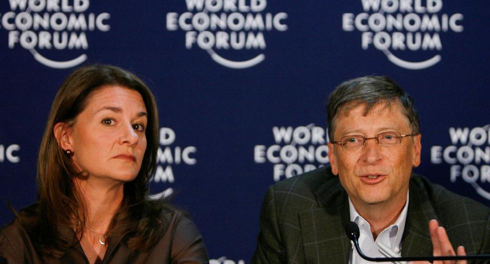 El fundador de Microsoft, Bill Gates, y su esposa Melinda Gates asisten a una conferencia de prensa en el Foro Económico Mundial (WEF) en Davos el 30 de enero de 2009. (REUTERS/Christian Hartmann).