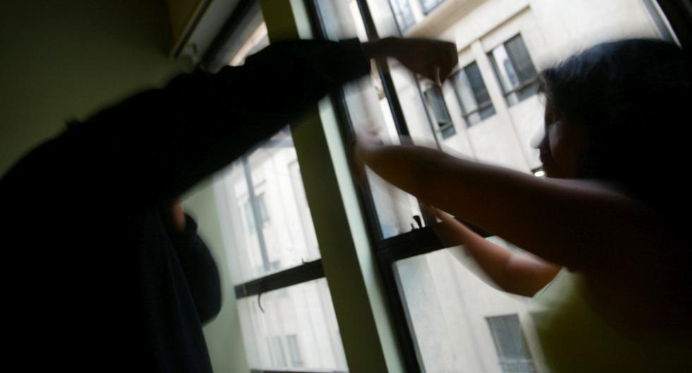 Sujeto le lanzó lejía en el rostro a su ex pareja que le pidió la pensión de su hija. (Referencial/GEC)