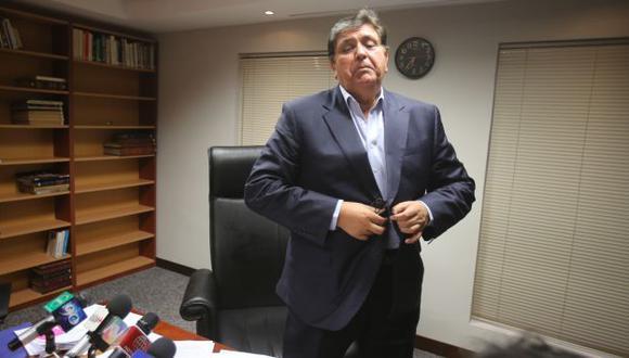 TIENE SU TARIFA. Alan García señaló que cobra aproximadamente US$50 mil por conferencia. (Martín Pauca)