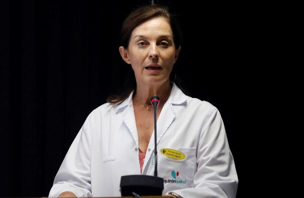 La directora gerente del hospital Quirón de Pozuelo de Alarcón,la doctora Lucía Alonso, ofreció una rueda de prensa. (Foto: EFE)