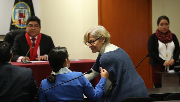 Susana Villarán acudió a la audiencia pero si retiró tras solicitarlo al tribunal. (Rolly Reyna/GEC)