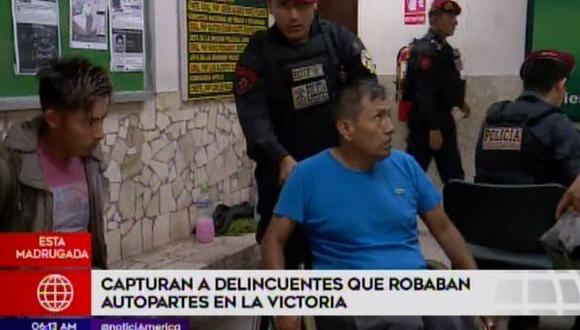 Capturan a delincuentes que robaban autopartes esta madrugada(. Captura: América Noticias)