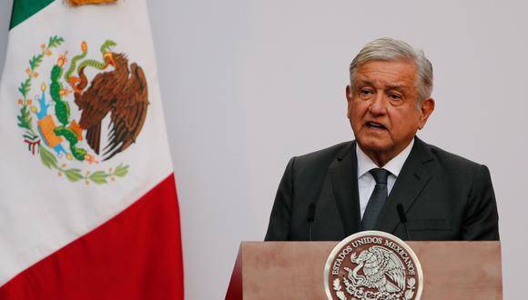 El presidente de México, Andrés Manuel López Obrador (AMLO), habla en Palacio Nacional en Ciudad de México, el 1 de diciembre de 2020. (EFE/ José Méndez).