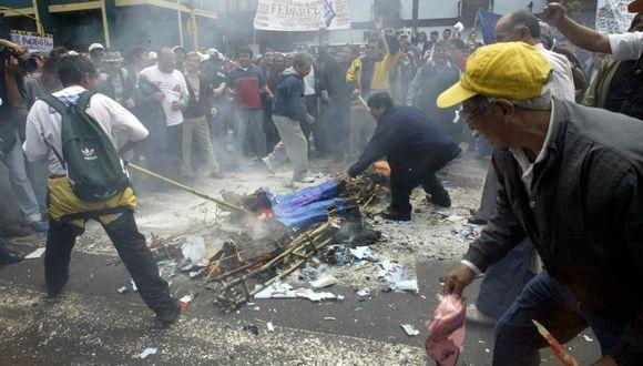 Huelga de maestros: ¿Cómo fue la última protesta de docentes que puso en aprietos al gobierno? (AFP)