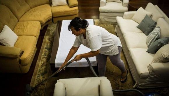 Un hombre deberá pagarle US$180 mil a su ex esposa por sus años como ama de casa en Argentina. (Foto referencial, AFP).
