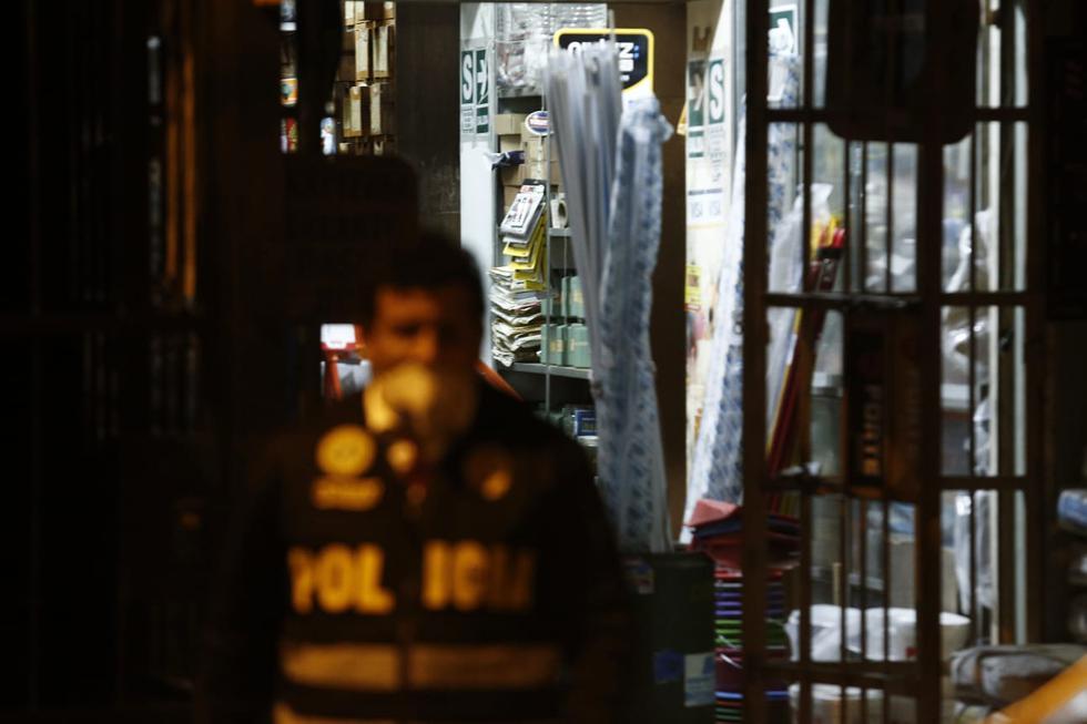 Hombre acabó con su vida al interior de ferretería en Surquillo. (Fotos: Andrés Paredes/GEC)