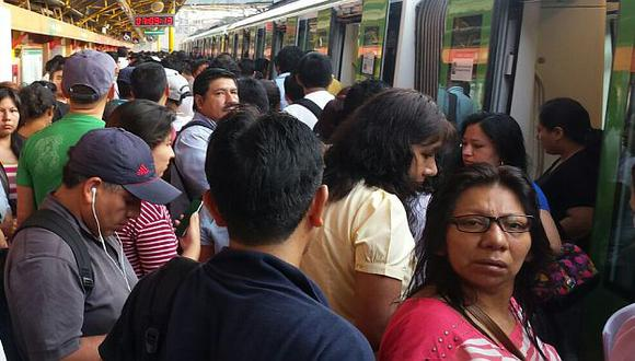 Metro de Lima: Tren quedó varado por más de una hora en Villa María del Triunfo. (Joel Mejía vía WhatsAPP)