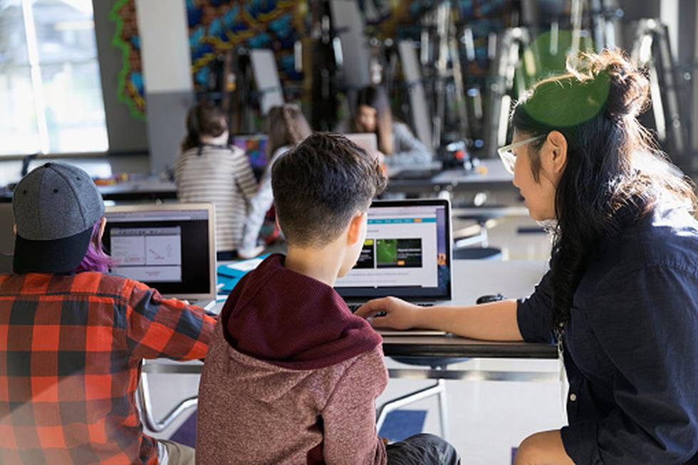 ¿Vas a comprar una PC para iniciar la etapa escolar? Considera estos consejos. (Getty Images)