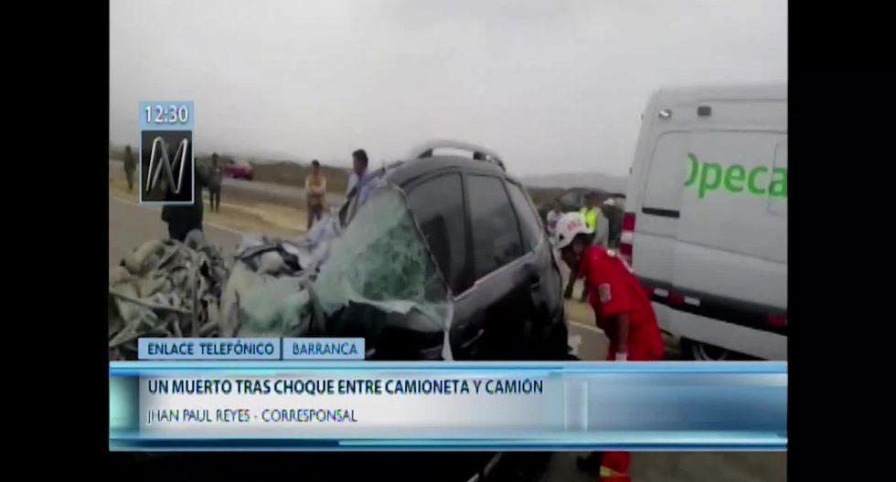 Chofer del vehículo menor perdió la vida instantáneamente tras chocar contra el camión. (Foto captura: Canal N)