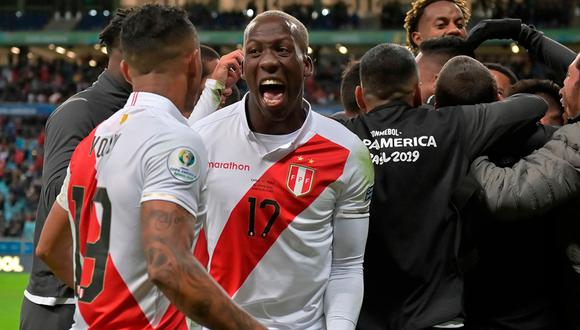 Luis Advíncula está listo para disputar la final de la Copa América. (Foto: AFP)