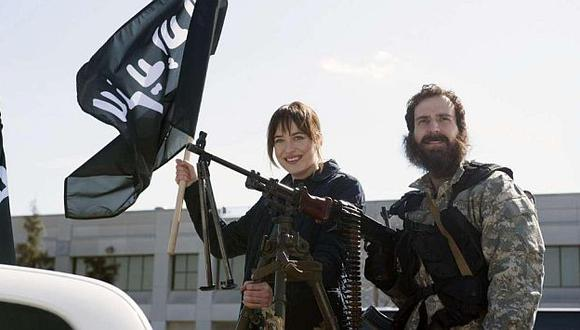 Estado Islámico: Actriz de '50 Sombras de Grey' protagonizó polémica parodia. (SNL)