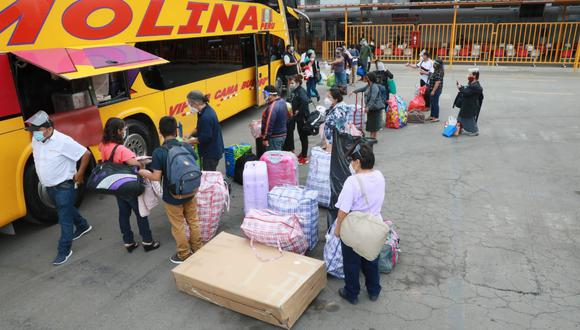 El transporte interprovincial se reanudará este lunes en todo el país. (Foto: Juan Ponce Valenzuela//@photo gec)