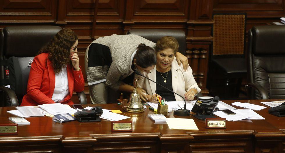 La congresista de Fuerza Popular Luz Salgado dijo que los problemas entre Úrsula Letona y Yeni Vilcatoma debieron resolverse dentro de la bancada. (Foto: GEC)