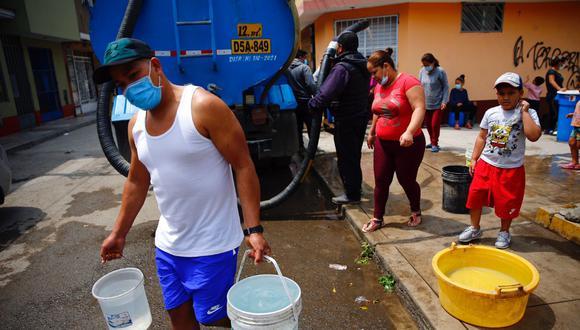 Falta de agua en diferentes puntos del distrito de San Juan de Lurigancho se reportó por más de 10 días luego de un aniego.  Foto: Hugo Curotto / @photo.gec