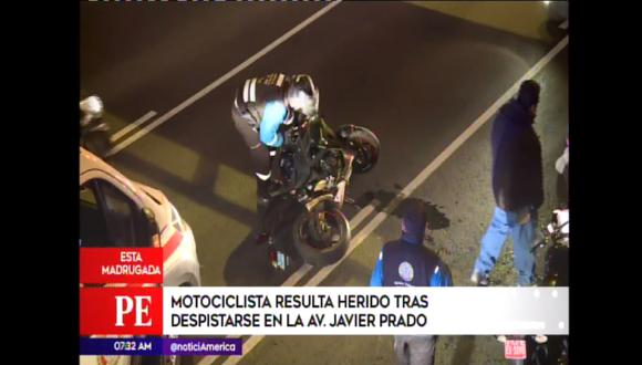 Motociclista resultó herido tras despiste.