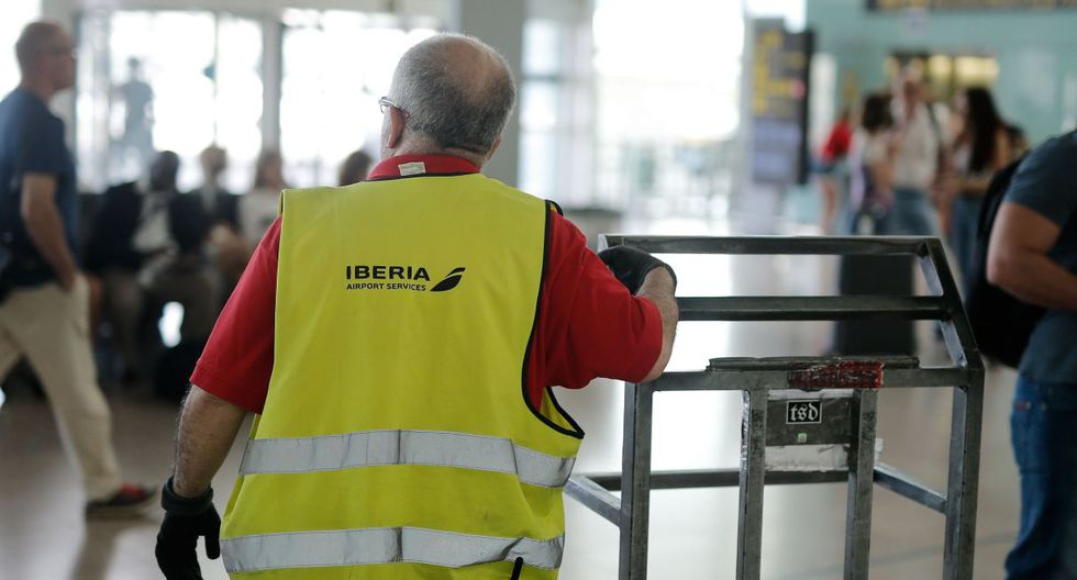La aerolínea Iberia informó de que en las primeras horas de huelga, que comenzó la medianoche pasada, partieron con normalidad 55 vuelos y llegaron 47. (Foto: AFP)