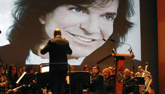 El cantante español pisó la Quinta Vergara en tres oportunidades. En 1974, en 1981 y veintitrés años después, en 2004. (EFE)